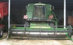 Moissonneuse batteuse : John Deere 2264
