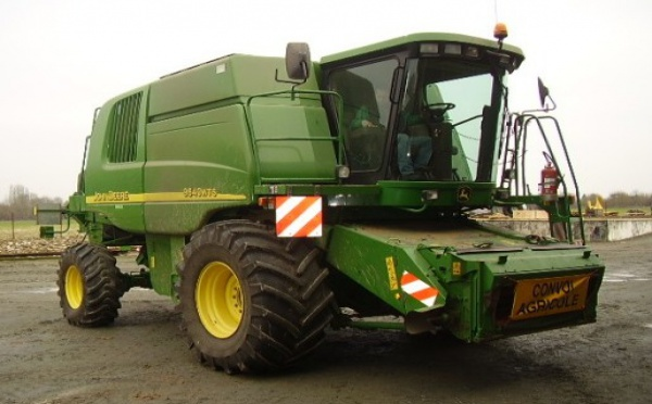 Moissonneuse batteuse : John Deere 9640 WTS