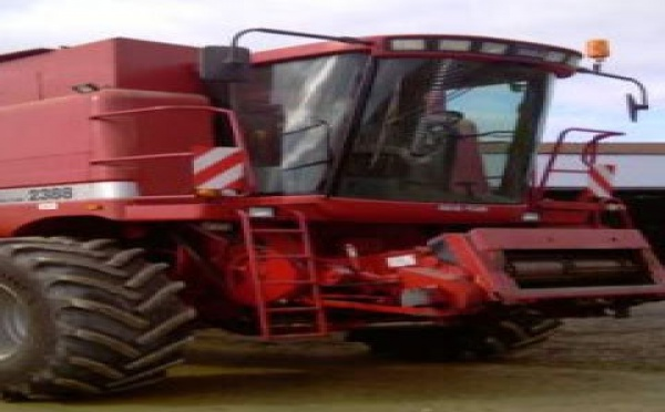 Moissonneuse batteuse Case IH occasion