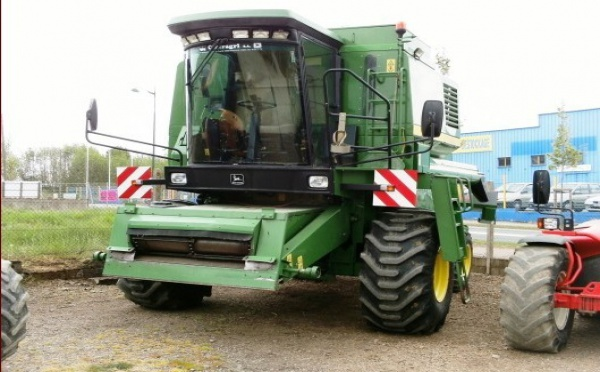 Moissonneuse batteuse : John Deere 1170