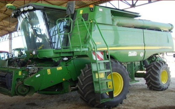 Moissonneuse batteuse : John Deere S 690